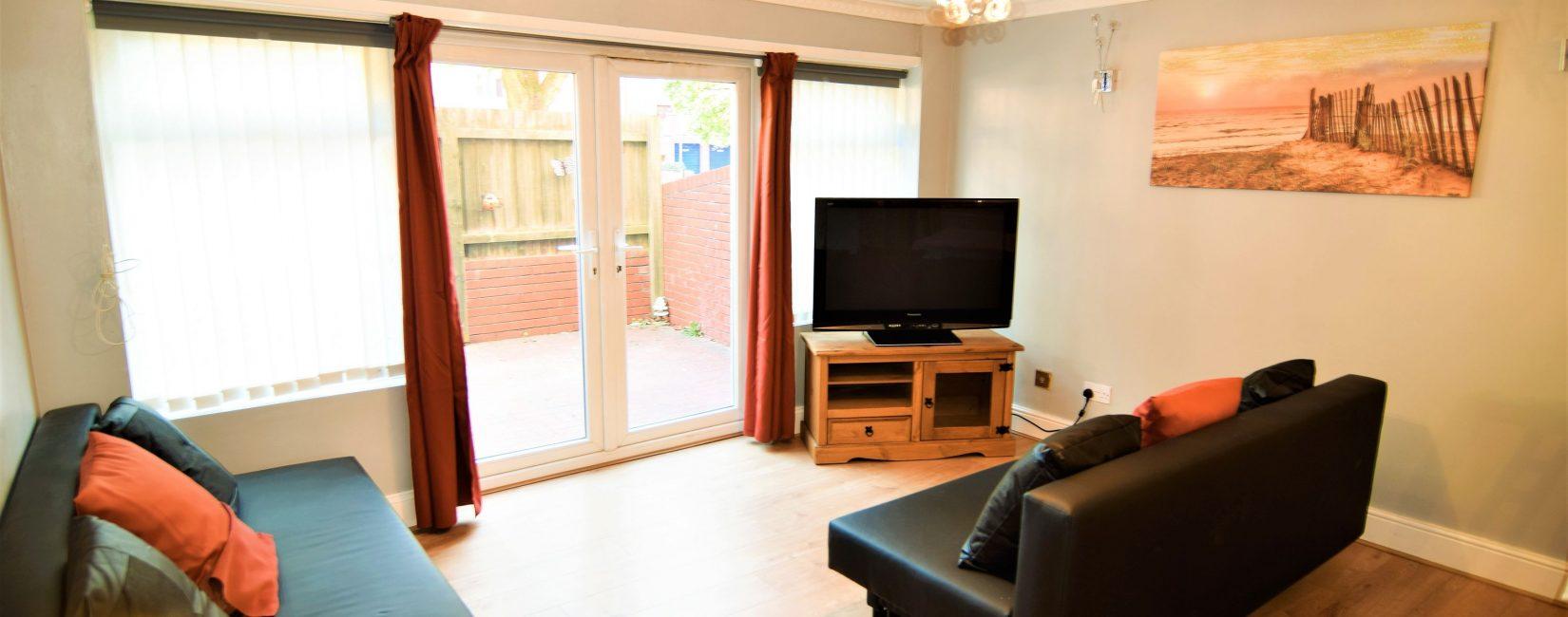 Living room - Quadruple bedroom